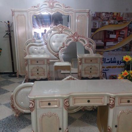 غرفة نوم:  موديل راقي و جد متميز من مفروشات الخليج